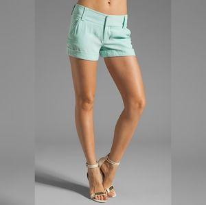 NWT Alice + Olivia shorts Cady Cuff mint green sz0